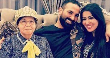 سميه الخشاب تنفى وجود خلافات بينها وبين احمد سعد وترد بصور مع زوجها 3